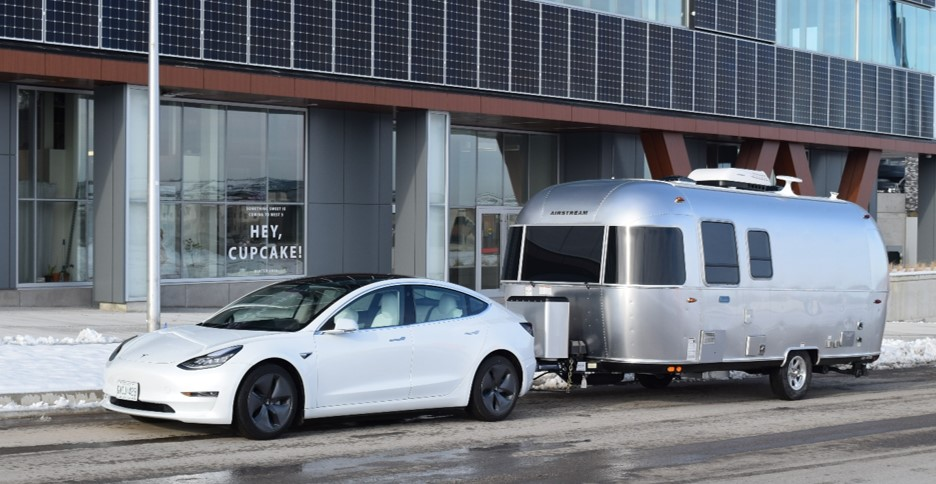 Tesla Model 3 and 22 Airstream Bambi