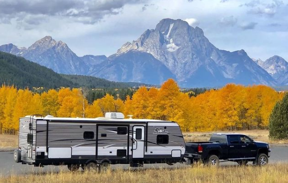 Post thumbnail for Five Autumn RV Pit Stops for Wine Lovers